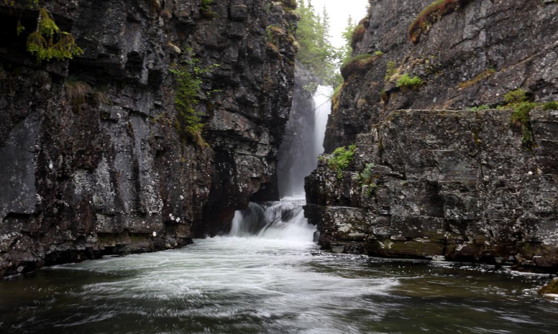 Djävulshålet, vattenfall, storsjö